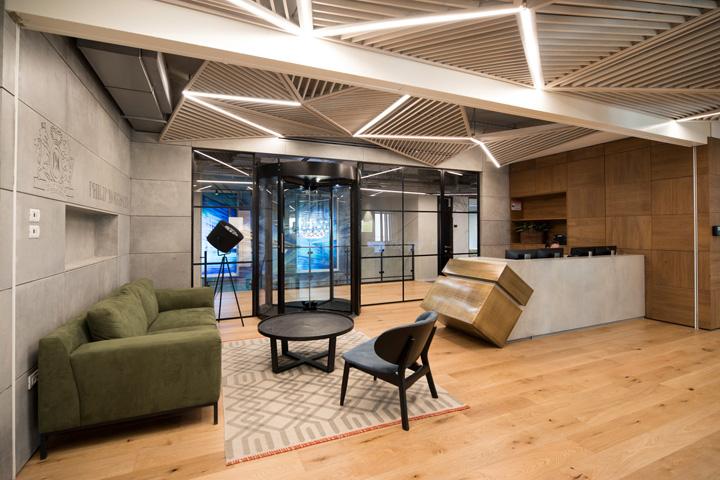 办公室设计中的个性天花板欣赏